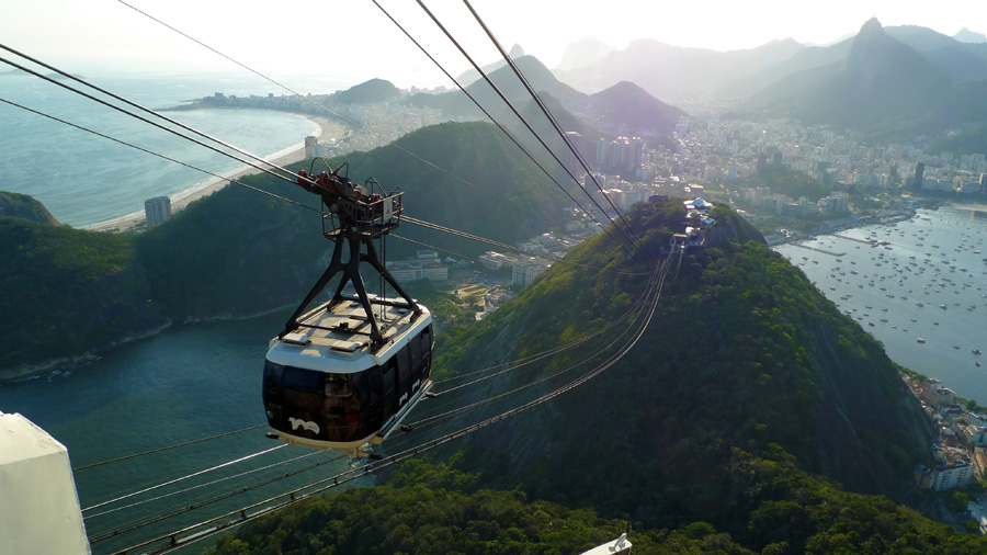 Pão de Açúcar cable car | Jon Kristian Bernhardsen on Flickr (CC BY 2.0)